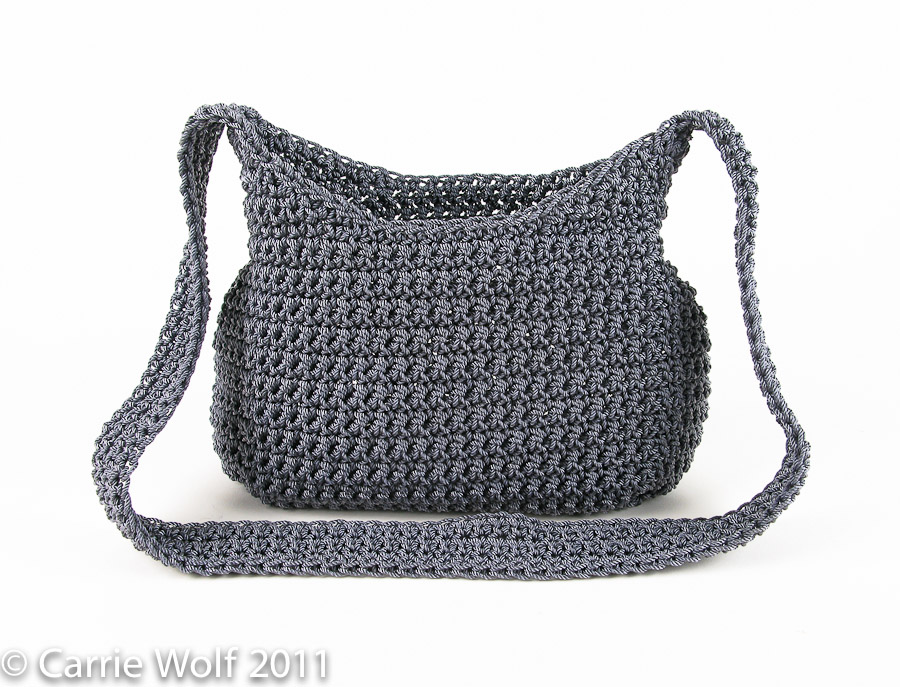 How To Crochet A Purse : How to insert a zipper and line a crochet purse tutorial