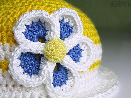 sunny yellow crochet hat daisy closeup